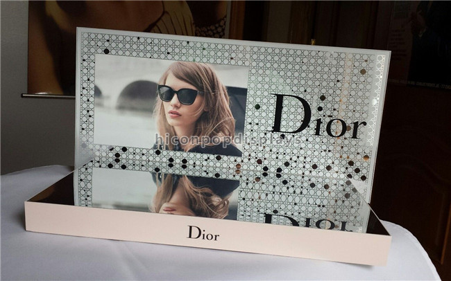 Table Top Dior Sunglasses Display Units Increasing Brand Value Eyewear Display Stand
